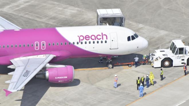 Nhật Bản: Máy bay phải hạ cánh vì khách không chịu đeo khẩu trang