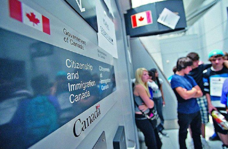 𝐂𝐡𝐢́𝐧𝐡 𝐩𝐡𝐮̉ Canada Mở rộng Cơ hội có Thẻ thường trú nhân cho người Nhập cư