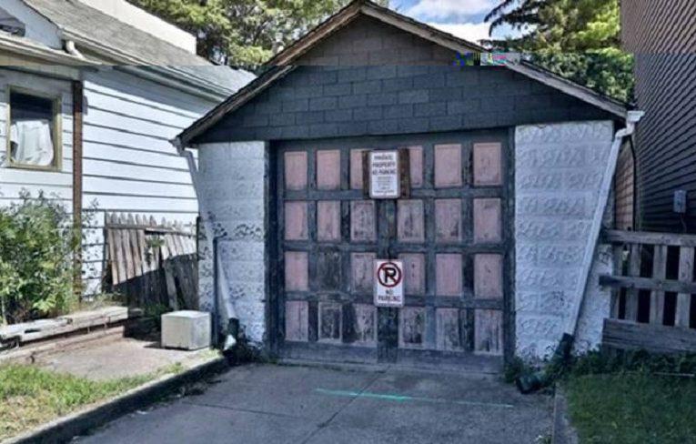 Chỉ có ở Toronto: garage ọp ẹp được rao bán với giá $729000