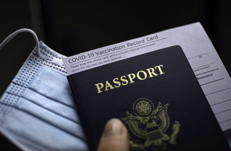 Chính phủ Canada bật đèn xanh cho hộ chiếu 𝐯𝐚𝐜𝐜𝐢𝐧𝐞