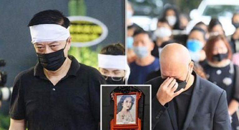 Hai người chồng cũ bật khóc, nghẹn ngào khi dự tang lễ của Hoa hậu Thu Thủy
